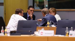 Moncloa trabaja para que Pedro Sánchez sustituya a Merkel como líder de Europa